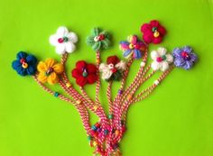 мартеница гривна Baba Marta, Projects To Try, Drop Earrings, Bulgaria, Crochet, Floral, Flowers, Handmade, Diy
