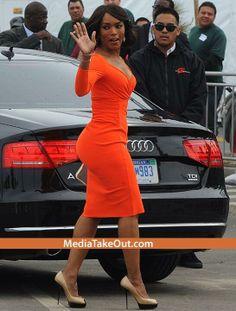 Angela Bassett Ageless Beauty mid Fifty say What Fit Black Women, Black Girls Rock, Beautiful Black Women, Beautiful People, Sexy Women, Beautiful Curves, Simply Beautiful, Beautiful Body, Strong Women
