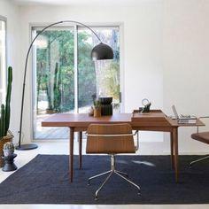 Bureau table, Orbiana
