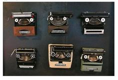 Never would have though of this...cute way to display old typewriters