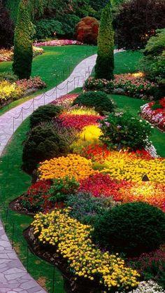 Butchart Gardens Stairway, Victoria, British Columbia, Canada. Clic sur photo: 2 beaux vidéos sur ces magnifiques jardins.