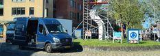 Het kunstwerk op de rotonde Oostlaan/Meidoornlaan/Emmastraat heeft een onderhoudsbeurt gehad, het kunstwerk wat is geplaatst in 2002 was nodig aan een opknap beurt toe die werd uitgevoerd door de kunstwacht zodat deze er weer de komende jaren tegenaan kan. Het object bestaat uit een constructie van twee staalplaten van 10 meter hoog met daarop gemonteerd 5 transparant geschilderde platen van UV-werend lexan, die op Van, Night, Vans, Vans Outfit