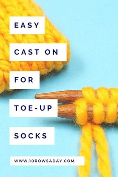Step-by-step tutorial about the easiest way to work Judy's magic cast on to cast on stitches for toe-up socks, bags and toys. Easy Knitting Projects, Knitting For Beginners, Judys Magic Cast On, Casting On Stitches, Magic Loop, Yarn Tail, Learn How To Knit, Last Stitch, Knit In The Round