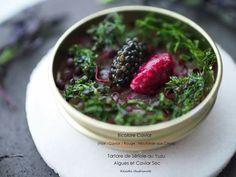 Bicolore Caviar Vol.2 avec Tartare de Sériole 早くも霜月・・・ 柚子風味の鰤のタルタルに紅蓼、キャビアと自家製カシスマスタード アクセントは山口県産青海苔とキャビをカリカリに仕上げたセック フレッシュと火を入れたキャビアの贅沢な共演 下の器は指月の宴のためのオリジナル☆ マスタードの粒の食感をキャビアに見立てた2食キャビアシリーズ第2段 Oleg氏のキャビアの缶で提供♪