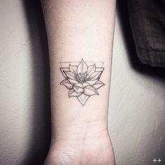 tattoo lotus flower