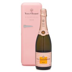 Sequins and Bangles: Loving...Veuve Clicquot Rose