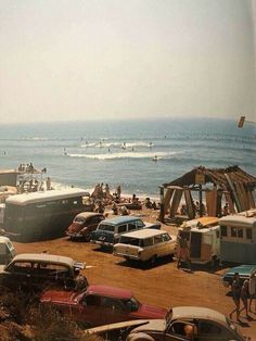 Southern California surf scene in 🏄 70s Aesthetic, Beach Aesthetic, Summer Aesthetic, Aesthetic Vintage, Aesthetic Pictures, Girl Faces, Different Aesthetics, California Surf, Southern California