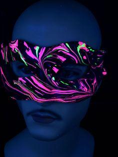 "Schwarzlicht Psywork Maske Colombina Lady ""Pink Space"" #blacklight #schwarzlicht #psy #neon #party #karnevall #fasching #mask #magic #marble #halloween"