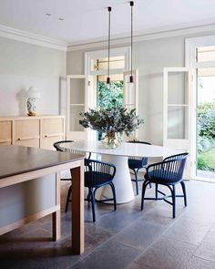 SHORTLISTED: A Private Residence - Best Residential Kitchen Design for Belle Coco Republic Interior Design Awards . . @bellemagazineau #interiors #kitchen #kitchendesign #interiordesign #decor #lifestyle #design #aboutsjb #sjb @smartanson