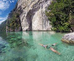 celebrate Earth-Day everyday 🙌🙌🙌 . Next trip to Maluku  Aug : 18-21, 26-29 Sep : 9-12, 22-25 Oct: 6-9, 20-23 Nov: 3-6, 17-20 Dec : 9-12, 23-26, 29-01  For details/ reservation/private trip arrangement pls mail us at info@kakabantrip.com  #kakabantriptomaluku #maluku #barondamaluku #sawai #pulauseram #seramisland #indonesia #kakabantrip #orabeach #pantaiora #tropicalparadise #oratrip