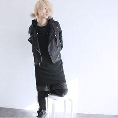 モード系ファッションの通販サイトalbino(アルビノ)です。こちらではstyle91で着用しているアイテムに関して紹介しております。メンズ、レディース共にお使い頂けるモード系ファッションアイテムをご用意しております。