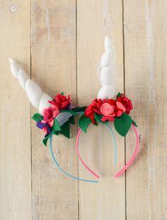 Easy Felt Unicorn Horn Headband Tutorial #DIY #crafts