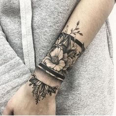 200 Photos of Female Tattoos on the Arm to Get Inspired - Photos and Tattoos - Flower Tattoo Designs - Handgelenk Tattoo Ideen arrangierung von blumen und armband - Cute Tattoos, Beautiful Tattoos, Black Tattoos, New Tattoos, Body Art Tattoos, Tatoos, Crown Tattoos, Star Tattoos, Black Band Tattoo