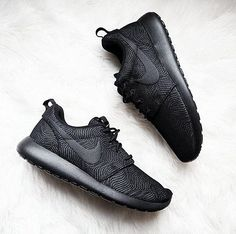 Nike women s running shoes are designed with innovative features and  technologies to help you run your best 7c77f988d87