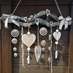 New Garden Art Ideas Wind Chimes Decor Ideas Beach Crafts, Diy And Crafts, Christmas Crafts, Christmas Decorations, Creation Deco, Driftwood Crafts, Nature Crafts, Garden Art, Garden Drawing