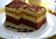 Słodkie, pyszne, rozpływające się w ustach. Nie znam nikogo kto nie lubi tego ciasta:)
