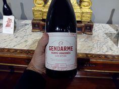 A punto de probar el vermú El Gendarme, una bebida espirituosa elaborada en Morata de Jalón por la empresa aragonesa @Turmeon_vermut que homenajea a Los Sitios de Zaragoza