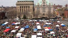NYC's Best Flea Markets // Spend the weekend indulging in gourmet eats, antiques and craft goods