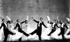 「清く、正しく、美しく」をモットーとする宝塚歌劇団に、ある日突然貼り出されたという25の戒め。