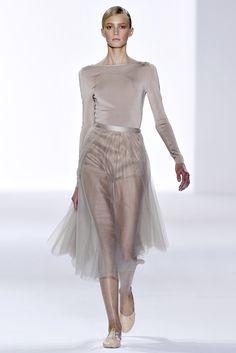 Chloé Spring 2011 Ready-to-Wear Fashion Show - Sigrid Agren (Elite)
