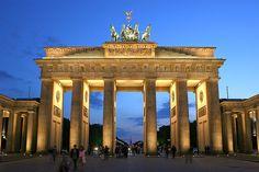 Título:The Brandenburg Gate in Berlin, Germany Autor:Thomas Wolf Licenza: Atribución, Compartir igual