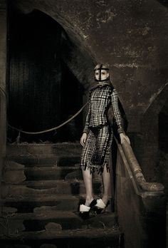 nicholas hayward / fashion editorial photoshoot / dungeon / medieval / pain vs pleasure / torture / punishment / bondage / bids / scold's bridle