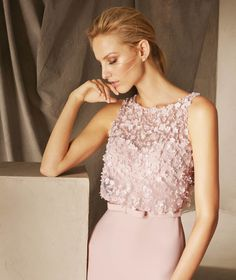 Brooklyn - Sleeveless cocktail dress in lace, embroidery and gemstones