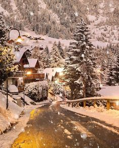 Places In Switzerland, Visit Switzerland, Places To Travel, Places To Go, Wallpaper Winter, Winter Schnee, Destinations, Winter Background, Winter Images