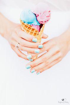 #wedding #weddingdetail #icecream #hands #weddingring #weddingcloseup #weddingfood #bajkowesluby #pastelwedding