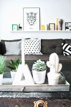 How to style your home like a pro (Part — The Little Design Corner Estilo Interior, Interior Styling, Interior Design, Room Inspiration, Interior Inspiration, Cactus E Suculentas, Living Room Decor, Living Spaces, Home And Deco