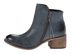 These would look great with a pair of rolled jeans and a blazer.  Hello, Fall....let's get dressed.