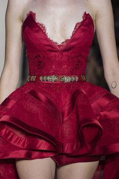 Zuhair Murad Fall 2018 Couture Fashion Show Details. All the Fall 2018 Couture fashion shows from Paris Couture Fashion Week in one place. Fashion 2020, Runway Fashion, High Fashion, Fashion Show, Fashion Outfits, Fashion Design, Fashion Clothes, Mode Chic, Haute Couture Fashion