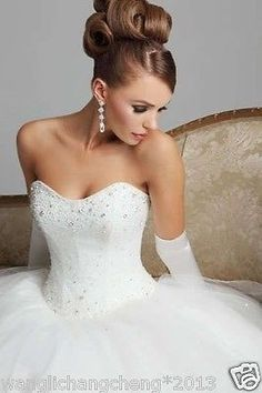 Gorgeous Strapless Beaded Ball Gown Wedding Dress Classic Tulle Bridal Dress