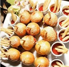 Discover ideas about beach theme food. sliders and fries for late night wedding reception guests Beach Theme Food, Beach Wedding Foods, Mason Jar Cocktails, Food Network Recipes, Cooking Recipes, Burger And Chips, The Kitchen Food Network, Wedding Food Stations, Wedding Appetizers
