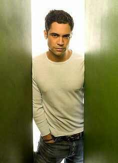Danny Pino he is no Stabler but he sure is nice to look at Danny Pino, Cold Case Tv Show, Beautiful Men, Beautiful People, Gorgeous Guys, Cute Actors, Law And Order, Attractive Men, Good Looking Men