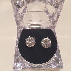 Brand new earrings Never worn Jewelry Earrings