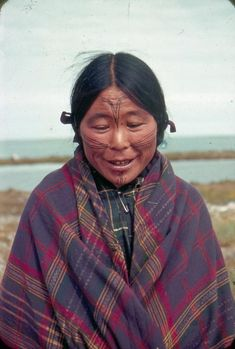 An Inuit woman with traditional facial tattoos near Eskimo Point Northwest Territories Canada ca. Piercing, Inuit People, Native Tattoos, Facial Tattoos, Northwest Territories, Rite Of Passage, In Ancient Times, Body Modifications, First Nations