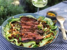 Garlic Parmesan Potatoes, Salad Bar, Steak, Good Food, Lunch, Beef, Cooking, Comfortfood, Meat