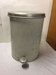 White  Beauty Can Crime Top  Step Garbage Trash Can VINTAGE Retro #BeautyCan