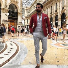 Men's style looks. Blazer Outfits Men, Red Blazer, Sharp Dressed Man, Well Dressed Men, Mens Fashion Suits, Mens Suits, Stylish Men, Men Casual, Mode Man