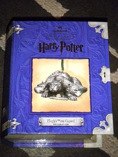 """Harry Potter  """"Fluffy on Guard"""" 2001 Hallmark Pewter Ornament in Collectibles, Decorative Collectibles, Decorative Collectible Brands, Hallmark, Ornaments: by Series, Harry Potter 