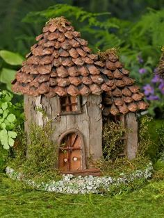 25+ DIY Outdoor Miniature Fairy Garden Ideas #fairygarden #diyfairygarden #fairygardenideas ⋆ amplifiermountain.org