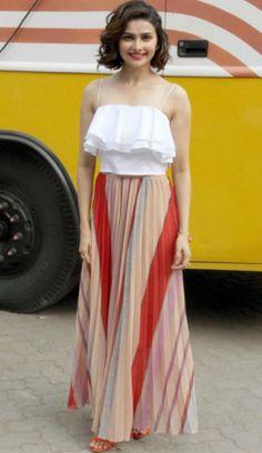 outfits-of-prachi-desai-4.jpg 500×866 pixels