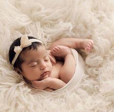 newborn prop ideas for parents (Faux blankets, baskets, nests, etc)