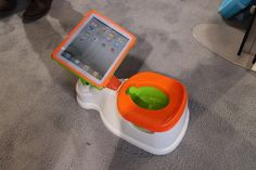 iC-U-P: Potty Trainer Equipped With iPad Stand Unveiled at Consumer Electronics Show