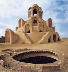 Boroujedi-ha Mansion Site and climate The building is located in the historical part of Kashan/Iran.