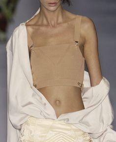 Runway Fashion, Fashion News, Womens Fashion, Jean Paul Gaultier, Glossier Girl, Boyish Girl, Fashion Prints, Fashion Design, Jeans