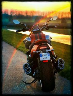 Motorcycle Travel, Moto Bike, Custom Street Bikes, Custom Bikes, Yamaha Motorcycles, Cars And Motorcycles, Vespa Scooter, Performance Bike, Nhra Drag Racing