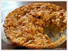 Jam Hands: Dutch Apple Pie - recommended to use two Granny Smith apples, two honey crisp apples and one golden delicious