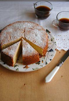 Lime and ginger cream cake / Bolo de creme de leite, limão e gengibre by Patricia Scarpin, via Flickr